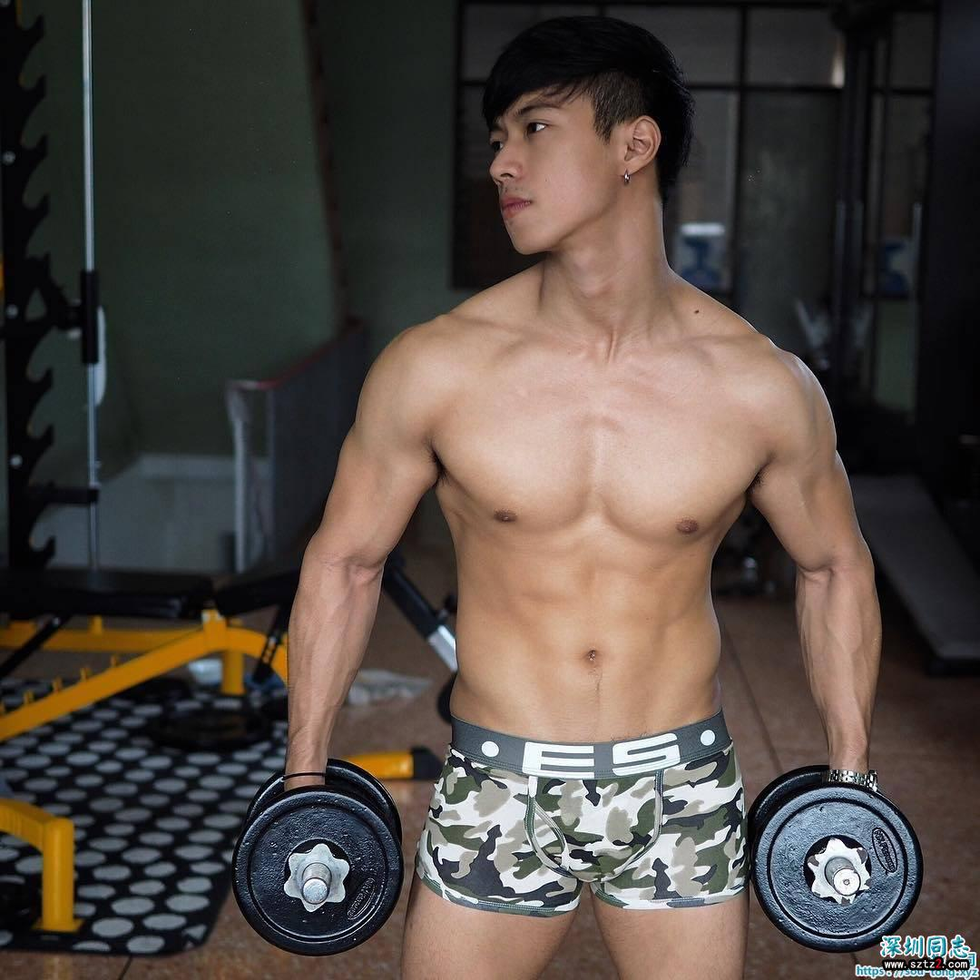 身材好,肌肉靓,脸蛋嫩,花样美男